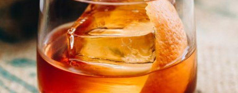 __opt__aboutcom__coeus__resources__content_migration__liquor__2018__05__08113350__bourbon-old-fashioned-720x720-recipe-ade6f7780c304999be3577e565c9bcdd